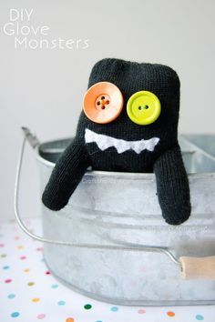 25 Free Sewing Projects for Kids - Jacquelynne Steves Fun Crafts For Kids, Sewing Projects For Beginners, Diy Arts And Crafts, Cute Crafts, Diy For Kids, Diy Projects, Baby Crafts, Kid Crafts, Project Ideas