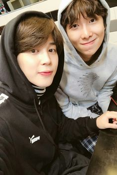 """April 8 [TRANS CRED: @BTS_Europe] """"It has been a while sonce we met I enjoyed myself hehe #JIMIN #MoniMoni #Puma"""""""