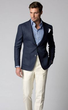 Business casual combo inspiration with cream trousers navy blazer light blue shirt white linen pocket square - Herren- und Damenmode - Kleidung Cream Trousers, Cream Pants, Mens Fashion Suits, Blazer Fashion, Mens Suits, Business Casual Men, Men Casual, Casual Suit, Casual Styles
