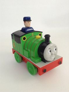 TOMY  THOMAS TANK ENGINE  BATTERY OLDER MAGNETIC TOY TRUCKS AS PICTURES