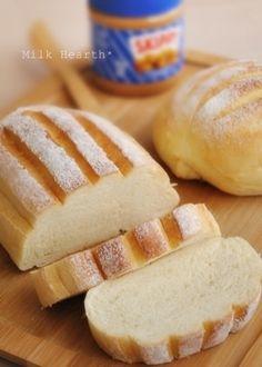 ふわふわミルクハース(レシピ付) in 2020 Japanese Bread, Ice Cream Pies, Sweet Cakes, How To Make Bread, Bread Baking, Hot Dog Buns, Bread Recipes, Bakery, Yummy Food