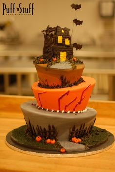 Are you ready for a spooktacular #halloween? The Puff 'n Stuff Catering bakery is!