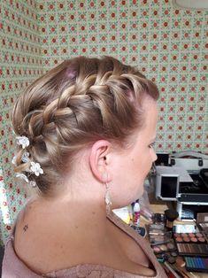 Bruidsgasten Hairclusief bruidskapsels en bruidsmakeup aan huis of op locatie #boho #bridal #updohair #updo #wedding #wedinghair #feestkapsel #trouwjurk #bridalhair #Baarn #Soest #Amersfoort #Hilversum #Amsterdam #Utrecht #Bilthoven #zeist #Utrecht #muah