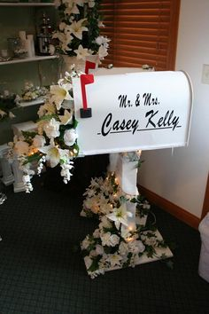 Wedding Card Box, love the mailbox idea!