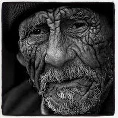 Imagine the things those eyes have seen.portrait by photographer Yuri Bonder Old Faces, Many Faces, Foto Portrait, Portrait Photography, Chiaroscuro Photography, Old Man Portrait, Black And White Portraits, Black And White Photography, Old Portraits