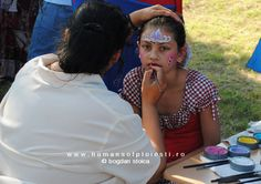 Make-up for the little girls people, stories & photos - www.
