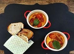 Clafoutis de Tomate-Cereja - Veja mais em: http://www.cybercook.com.br/receita-de-clafoutis-de-tomate-cereja.html?codigo=118013