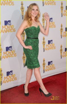 Scarlett Johansson in a green lace Dolce & Gabbana dress at the 2010 MTV Movie Awards. The color fit her perfectly! Thought it was really cute.