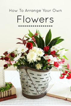Save yourself money and arrange your own flowers! Inexpensive flowers from the grocery store can look beautiful with these display tips. Flower Boxes, Diy Flowers, Beautiful Flowers, Flower Ideas, Coffee Wall Art, Container Flowers, Kitchen Wall Art, Belleza Natural, Floral Arrangements