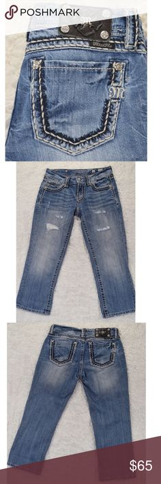 """Miss Me Cropped Jeans Miss Me Cropped Jeans/Capris🎀Size 26🎀Great stitching🎀Jewel embellishments🎀Destroyed patches on front🎀Look great cuffed🎀Inseam is 22"""" when not cuffed🎀100% cotton🎀5 pocket design🎀Smoke and pet free home Miss Me Jeans Ankle & Cropped"""