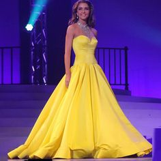 Find More Prom Dresses Information about robe de soiree Ball Gown Beaded Crystal High Neck Sleeveless Pageant Dresses For Women vestido de festa Long Prom Dresses 2016,High Quality gown accessories,China gown bridesmaid Suppliers, Cheap dresses 60s from Wedding Girls Dress on Aliexpress.com