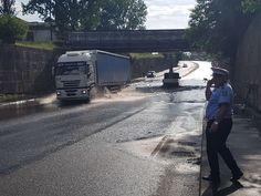 TÂRGOVIȘTE Pasajul de trecere pe sub calea ferată de la Romlux a fost inundat!
