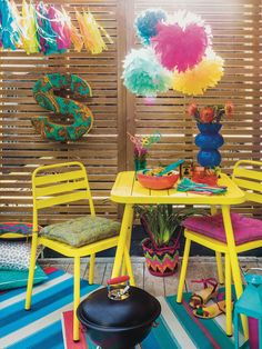 Totally Tropical home and garden accessories at HomeSense intu Trafford Centre #FashionYourHome #totallytropical