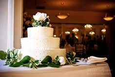 wedding cake  Gorgeous!!! Photo by Kelly Vasami Photography