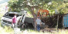 ''Nasci de novo'' disse motorista após acidente de caminhão - http://projac.com.br/noticias/nasci-de-novo-disse-motorista-apos-acidente-de-caminhao.html