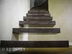 scale a muro rivestite in resina colore marrone