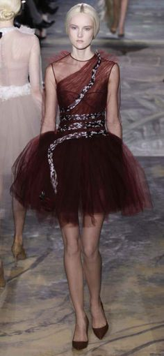 Valentino  I    Tulle and Lace on Paris Fashion Week, Spring-Summer 2014 | French Lace online shop