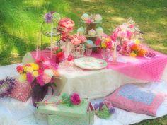 ピクニック お花とピンクとパステルと : こどものにわ Girl Birthday, Birthday Parties, Picnic Ideas, Balloons, Table Decorations, Party Party, Party Ideas, Flowers, Pink