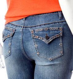 5d8aa4a45ce0b NEW Woman s EARL JEANS CAPRI Size 18W Embroidered Boho Pockets  EarlJean   CapriCropped