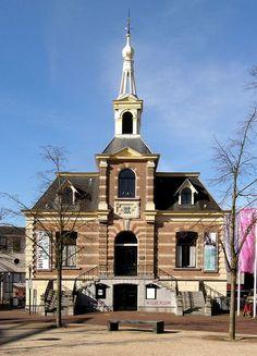 Museum Hilversum, voormalig Raaduis aan de Kerkbrink (The Netherlands) - #Netherlands #travel