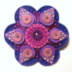 Etsy :: Your place to buy and sell all things handmade Applique Stitches, Wool Applique, Felted Wool Crafts, Felt Crafts, Flower Quilts, Wool Embroidery, Felt Brooch, Brooch Pin, Felt Art