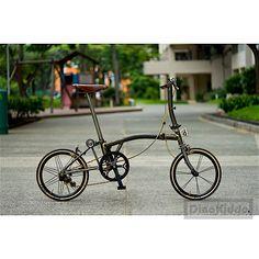 Custom aka Lord Gommy's broomy by Michael – DinoKiddo Bicicleta Brompton, Velo Vintage, Folding Bicycle, Cream Walls, Cool Bicycles, Road Bikes, Lord, Team Games, Tofu Recipes