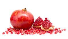 Granaatappel, bron van vitamine C, vitamine K en ijzer. Daarnaast bevat granaatappel veel polyfenolen