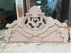 توج غرف نوم Bed Design, Bed Furniture Design, Bed Linen Design, Simple Bed, How To Dress A Bed, Mirror Designs, Bedroom Bed Design, Home Design Plans, Door Design Wood