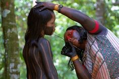 Warrior Tuira , Ethnicity Kayapó. _ Xingu _ Brazil Amazon Tribe, Xingu, Native American Women, American Life, Atlas Moth, War Paint, First Nations, World Cultures, People Around The World