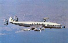 Lockheed Super Constellation na Varig, PP-VDE. Na primeira metade da década de 1950, a Varig conseguiu autorização para operar uma linha para Nova York. http://culturaaeronautica.blogspot.com.br/2009/05/os-lockheed-super-constellation-na.html