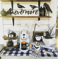 90 DIY Indoor Halloween Decor Ideas to Welcome Spooky Vibes in your Home Hike n Dip Halloween Bedroom, Halloween Kitchen, Chic Halloween, Halloween Banner, Halloween Home Decor, Halloween House, Holidays Halloween, Halloween Scene, Halloween 2019