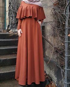 👗 Bahan scuba premium stretch, lebar keliling rok bawah by Modest Fashion Hijab, Abaya Fashion, Fashion Dresses, Hijab Evening Dress, Hijab Dress Party, Hijab Outfit, Islamic Fashion, Muslim Fashion, Mode Abaya