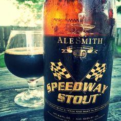 Cerveja Speedway Stout (Barrel Aged), estilo Wood Aged Beer, produzida por AleSmith Brewing Company, Estados Unidos. 12% ABV de álcool.