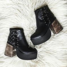 PARÍS black #wildsecret #leather #aw16 #paris