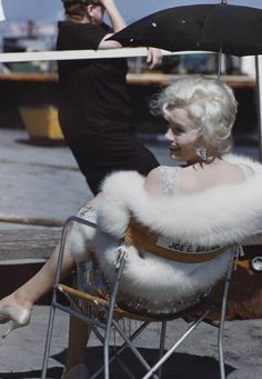 """Marilyn on the set of """"Some Like It Hot"""" 1959"""