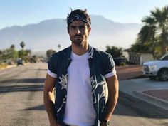 Coachella outfits, Coachella Valley Music and Arts Festival, menswear, music, looks and inspiration Juan Betancourt, Coachella Looks, Bandana Design, Burning Man Outfits, Outfits Hombre, Bandana Styles, Festival Looks, Rave Outfits, Mens Fashion