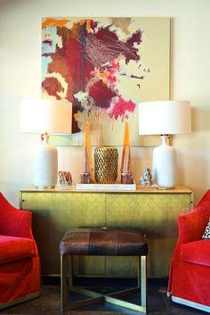Trendy art painting, glamorous red & gold ... and obelisks for prestige...