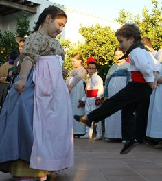Ball Pagés, Ibiza Surf, Ibiza Formentera, Iberian Peninsula, Medieval Castle, Canary Islands, Prado, Costumes, Children, Projects