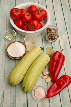 DOVLECEI IN SUC DE ROSII LA BORCAN | Diva in bucatarie Cooking Recipes, Stuffed Peppers, Vegetables, Food, Canning, Chef Recipes, Stuffed Pepper, Essen, Vegetable Recipes