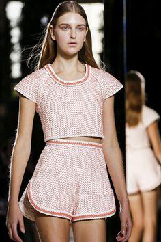VOGUE fashion    2014年春夏パリコレクション速報Part3。 VALENCIAGA by Alexander Wang