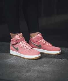 NIKE AIR FORCE 1 ULTRA FLYKNIT MID HOT PUNCH
