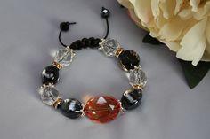Käsintehty rannekoru. Handgjort armband. Hand made bracelet. http://verkkokauppa.suzanne.fi/   http://shop.suzanne.fi/   https://www.facebook.com/SuzannesShop