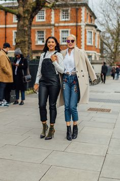 Comb - Street Style at Topshop Show AW16 - 4