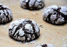 Extra csokis puszedli Cookies, Chocolate, Food, Poland, Crack Crackers, Biscuits, Essen, Chocolates, Meals