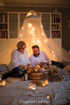 Tipps für ein kuscheliges Indoor-Picknick und Blitz- Rezepte Indoor Picnic, Romantic Picnics, Blitz, Table Decorations, Furniture, Ideas, Home Decor, Autumn, Ad Home