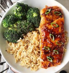 Sheet pan dinners that take less than 15 minutes to make >>>> Never knew how much I needed this Teriyaki Salmon Bowl in my life until today… Best Fish Recipes, Easy Rice Recipes, Salmon Recipes, Whole Food Recipes, Healthy Recipes, Fun Recipes, Healthy Meals, Maple Syrup Salmon, Grilled Teriyaki Salmon