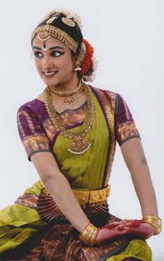Trendy Ideas For Dress Dance Music Indian Dresses, Indian Outfits, Indian Clothes, Indian Classical Dance, Classical Art, Dance Poses, Dance Pictures, Beautiful Girl Image, Dance Photography