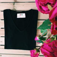 Love organic, black, V-neck tee!  #black #vneck #organic #organiccotton #cotton #basic #basictee #tee #simple #simpleisthebest #woman #fashion