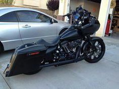 Harley Davidson. Road glide More
