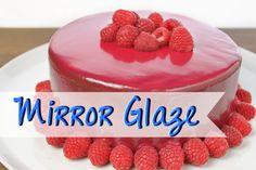MIRROR GLAZE Rezept [ohne Gelatine] | Spiegelglasur 100g Wasser – 200g Zucker – 50g Sahne – 1 gestr. TL Agartine 100g Zartbitterkuvertüre + 1 EL Backkakao oder 150g weiße Kuvertüre Arbeitszeit: ca. 40 Kühlzeit: mind. 1 Stunde Menge: für eine 18er Torte Schwierigkeit: ♥ ♥ ♥ • • Baker And Cook, Mirror Glaze Cake, Baking Basics, Funny Cake, Cake Recipes From Scratch, Homemade Cake Recipes, Dessert Decoration, Glaze Recipe, Cake Decorating Tutorials